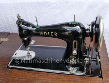 Adler 52, Flachbett-Geradestich-Nähmaschine mit CB-Greifer, Hersteller: Kochs Adlernähmaschinen Werke AG, Bielefeld (Bilder: I. Weinert)