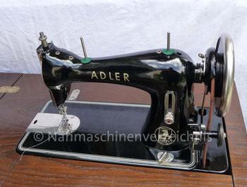 Adler 52, Flachbett-Geradestich-Nähmaschine mit CB-Greifer, Hersteller: Kochs Adler Nähmaschinenwerke AG, Bielefeld (Bilder: I. Weinert)