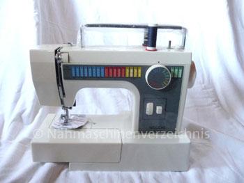 Necchi 559, Programmautomatik, Freiarm mit Einbaumotor, Hersteller: Necchi, Pavia, Italien (Bilder: I. Weinert und D. Knechtges)