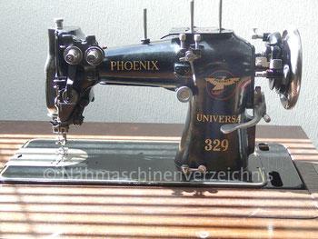 Phoenix Universa 329, Zickzack-Nähmaschine, Flachbett, Fußantrieb, Anbaumotor möglich, Hersteller: Phoenix Nähmaschinen AG Baer und Rempel, Bielefeld (Bilder: B. Schlappa)