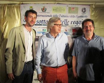 """Davide Ricchetti con il prof.Vittorio Sgarbi e il Cav.Aliquò ,durante la serata """"Vip sotto le stelle Reggine"""""""