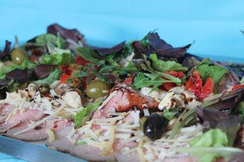 Vitello tonnato: gebraden kalfsfilet met tonijnmayonaise