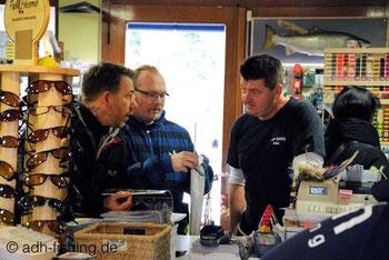 Rechts im Bild der Chef von adh, Alex Siems. Auch er hatte immer ein offenes Ohr für die Fragen von den Besuchern.