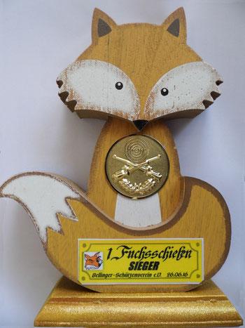 Fuchs-Pokal für den 1. Platz des 1. Fuchsschießen 2016.
