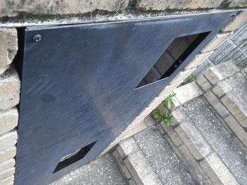 熊本県O様邸屋根・外壁塗装 階段前鉄板塗装BEFORE