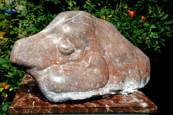 """""""Aliocha, le compagnon"""" - Granit du Languedoc - H 28cm, L 53cm"""