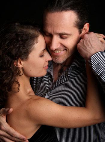 Workshop am 5. Februar 2016, vor der Milonga zum 10. Geburtstag von Pan Y Tango in der Brotfabrik:  Milongueando mit Christina und Thomas – kreatives Tanzen in feinen, kleinen Schritten  Christina Hegel und Thomas Hildebrandt unterrichten schon seit einig