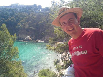 En Toni ens saluda des d'Aiguablava, a Begur!