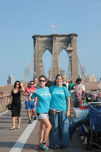 Les nostres amigues Maria i Mar amb el fotògraf Xevi, des de New York!!! La Tropa no té fronteres!