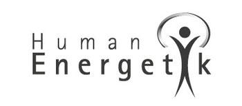 Logo der Humanenergetiker der WKO, Schriftzug Humanenergetik, das i wird von einem Strichmännlein gebildet, sein Kopf ist der i Punkt