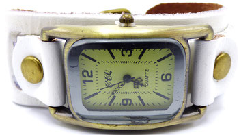 montre femme vintage en cuir blanc