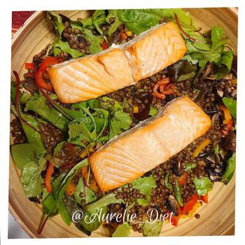 Lentille saumon grillée salade vegetarienne dieteticienne nutritionniste mulhouse
