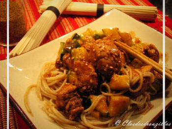 Wok de porc caramélisé et pâtes Soba