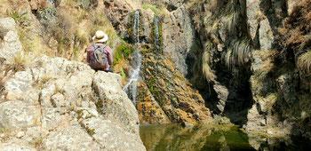 Kleine Wanderung zu einem kleinen Wasserfall