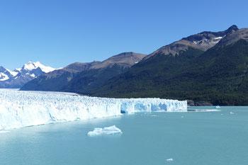 Perito Moreno, einer der wenigen Gletscher der nicht schmilzt