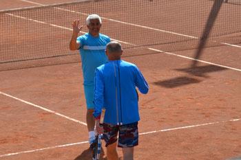 Ramon und Jiří freuen sich über ihren Sieg im Doppel