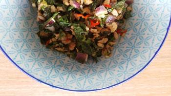 Thailändischer Hackfleischsalat - von mir natürlich vegan, wie alle meine Gerichte.