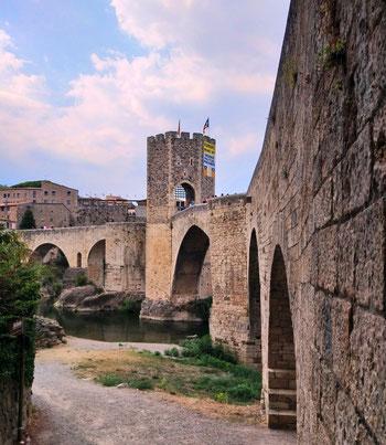 Бесалу - древний город в Каталонии
