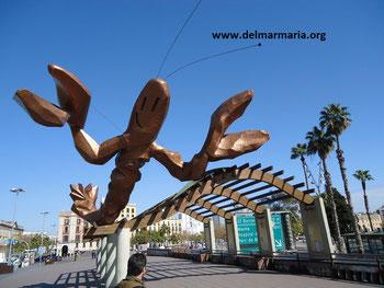 Скульптура Креветка в Барселоне