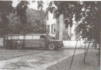 """Die """"grauen Busse"""" von Grafeneck (heimlich aufgenommen in der Anstalt Steffen im Remstal 1940)"""