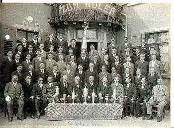 Männergesangverein Liederkranz mit Dirigent Friedrich Schlager 1927