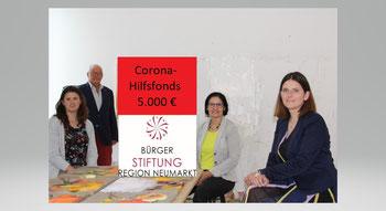 Alexandra Hiereth, Helmut Rauscher, Vera Finn und Sophie Stepper präsentieren den Corona-Hilfsfonds der Bürgerstiftung. Foto: J. Neve