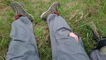 ズボン、上着が破損