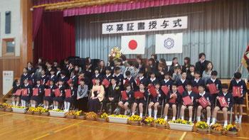 長男、小学校卒業式