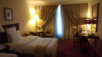 Rooms like this one at the Regency Palace, Amman can be heavily discounted on websites like booking.com