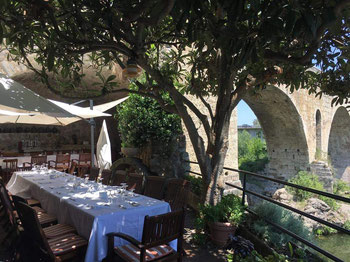 Pont Vell - рестораны Бесалу