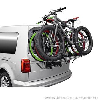 Heckträger-Auto ohne AHK für drei Räder