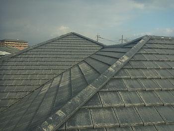 熊本市K様家の屋根瓦塗り替前。BEFORE