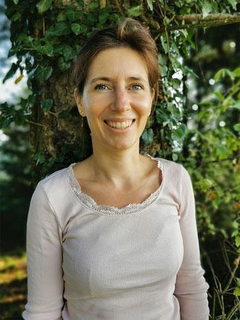Luzi Lambertucci: Yogalehrerin, Naturyoga, Waldyoga, Naturkosmetik Mauensee