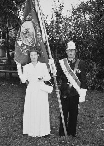 Fahnenpatin Maria  Sonderegger, Fähnrich Josef Müller