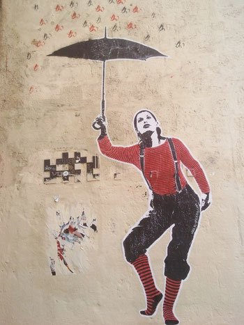 Rue Sainte-Anne : AL et Space Invader (photo SLS)