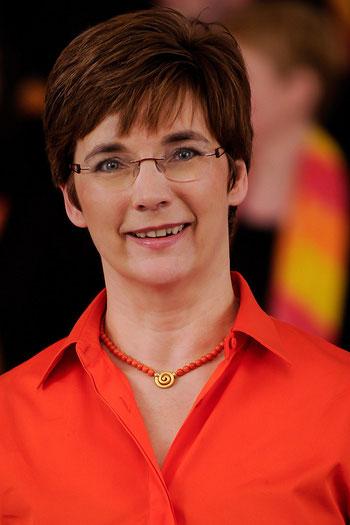 ------------------   Susanne Rohland-Stahlke   ---------------------