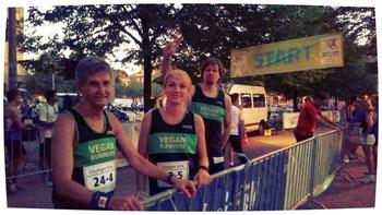 Einige bekannte Vegan-Runners waren ebenfalls vor Ort und laufen für sein Team.