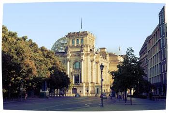"""seit 2000 wird von der Sportgemeinschaft Deutscher Bundestag in Berlin """"Deutscher Bundestagslauf"""" organisiert"""
