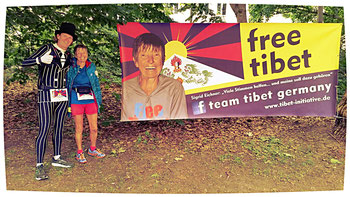 Laufen für einen guten Zweck mit Sigrid Eichner, die bekannte deutsche Marathon-Oma.