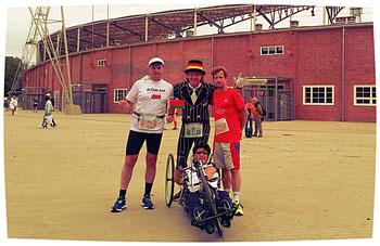 Zum ersten Mal für mich war es toll, viele Gehörlosen aus verschiedenen Ländern beim Marathonstart dabei gesehen zu haben.