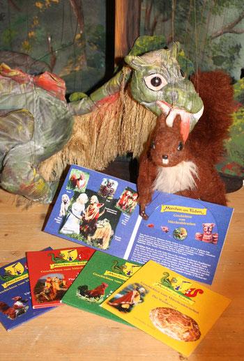 Eichhörnchen Nuxi und Drache Funki mit den ersten 4 CDs vom Märchenhörnchen - Marionettentheater Märchen an Fäden