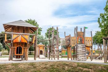 Moderner Spielplatz in einem der Xantener Parks