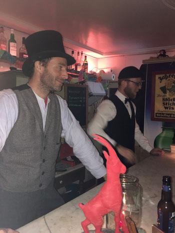 Bar ab 16 Uhr jeden 1. Freitag im Roten Bock
