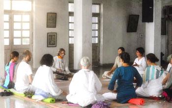 Yoga de la Voix, séance au Temple Vithal, Inde, Rishikesh 2011