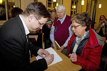 """Uwe Schwarz signiert """"Von Wilna nach Schlieben"""""""