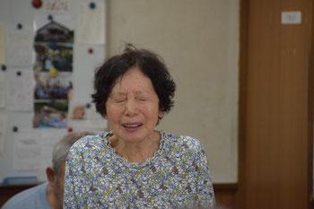 2018年7月22日(日)礼拝報告時、この度の豪雨被害で生活が一変した正子さんから万感の思いを込めてご挨拶。photo:もりげん