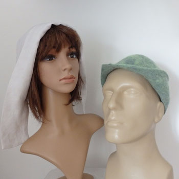 Bonnette et chapeau en feutre artisanal médiéval