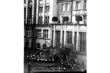 Abb. 16 - Rathauseinweihung: Terrasse über Vestibül