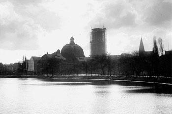 Abb. 5 - Rathausturm im Bau