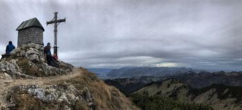 Gipfelbrotzeit am Geigelstein Gipfel